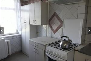 Продам трехкомнатную квартиру на Тополе 2 (Сич)