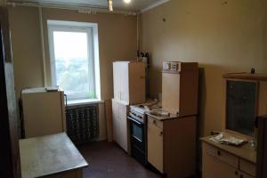 Продам трехкомнатную квартиру в кирпичном доме.
