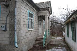 Продам дом поселок Ясный, 20 минут езды от Днепра.