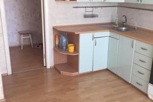 Продам четырехкомнатную комнатную квартиру на Левобережном-3